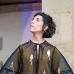 ANNA ROMANÍ //////////////// - (moviment) - Altres projectes: Empíric, Xuriach - https://www.facebook.com/anna.romani.31